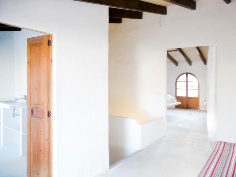 Master bedroom Top Floor sett från hall